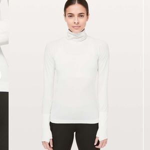 Lululemon Swiftly Speed Turtleneck